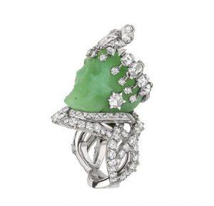Bague Reine de Jadélénie, en platine, diamants et jade jadeïte, Dior Joaillerie.