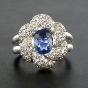 Bague saphir et diamants fleur.