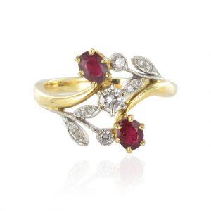Bague rubis et diamants floral.