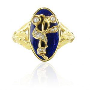 Bague ancienne émail bleu perles fines et diamants.
