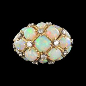 Bague Dôme Opales et Diamants.