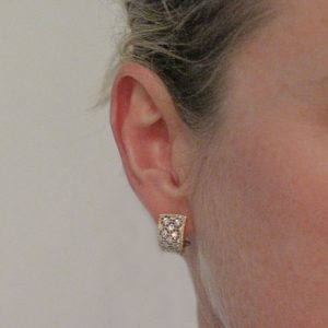 Boucles d'oreilles diamants dentelle d'ors.