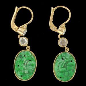 Boucles doreilles jade et diamants.