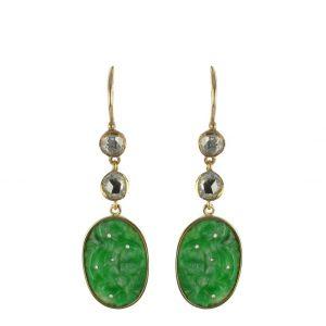 Boucles d'oreilles jade et diamants.