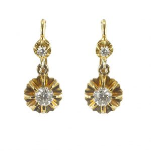 Boucles d'oreilles diamants et or jaune.